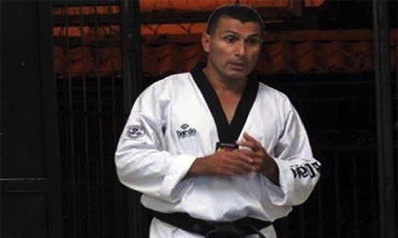 El profesor Geovanny Quirós, lleva frente a la Academia de Taekwondo Pérez Zeledón 25 años y se ha ganado el respeto y cariño de todos los habitantes del sureño cantón.